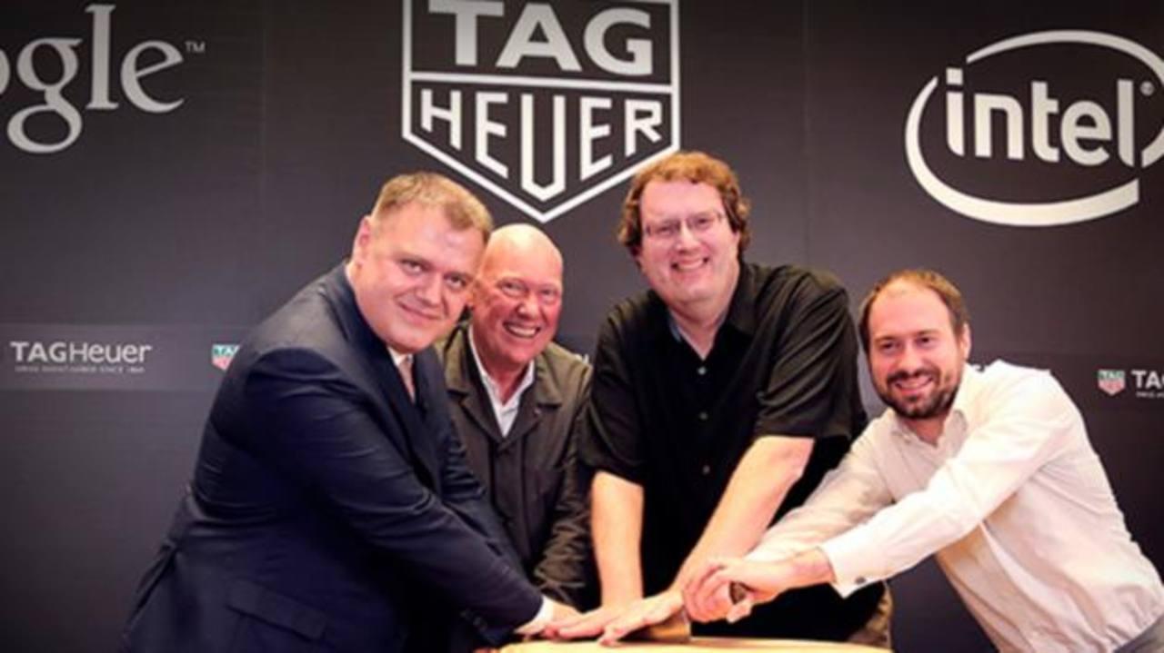 Guy Semon, Jean-Claude Biver, Michael Bell y David Singleton, posan tras el anuncio. foto edh