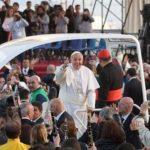 Papa pide a comunidad internacional que proteja el agua y garantice su acceso