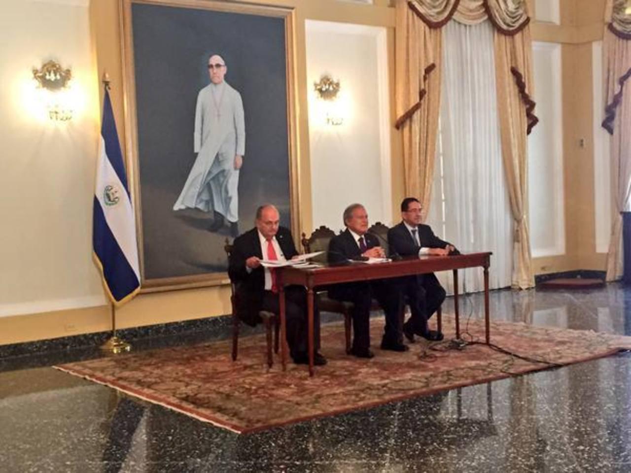 Eugenio Chicas sustituye a Hato Hasbún en cargo de Presidencia
