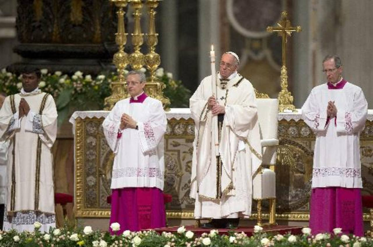 El Papa encabeza la Vigilia de Pascua