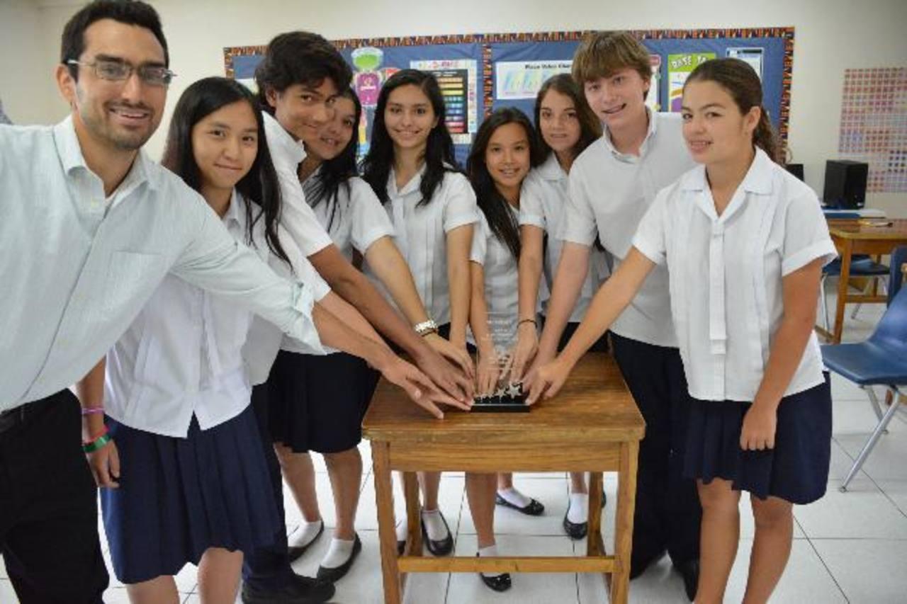 La unión hace la fuerza. El grupo de estudiantes de la Escuela Americana destacó debido a su determinación y el trabajo en equipo. Fotos EDH / Omar Martínez