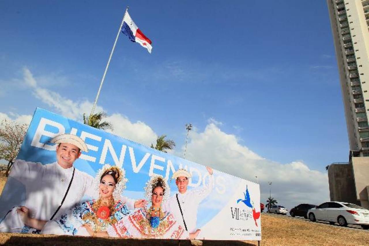 Vista general de los predios del centro de convenciones donde mañana y el sábado se celebrará la VII Cumbre de las Américas en Ciudad de Panamá. foto edh /efe