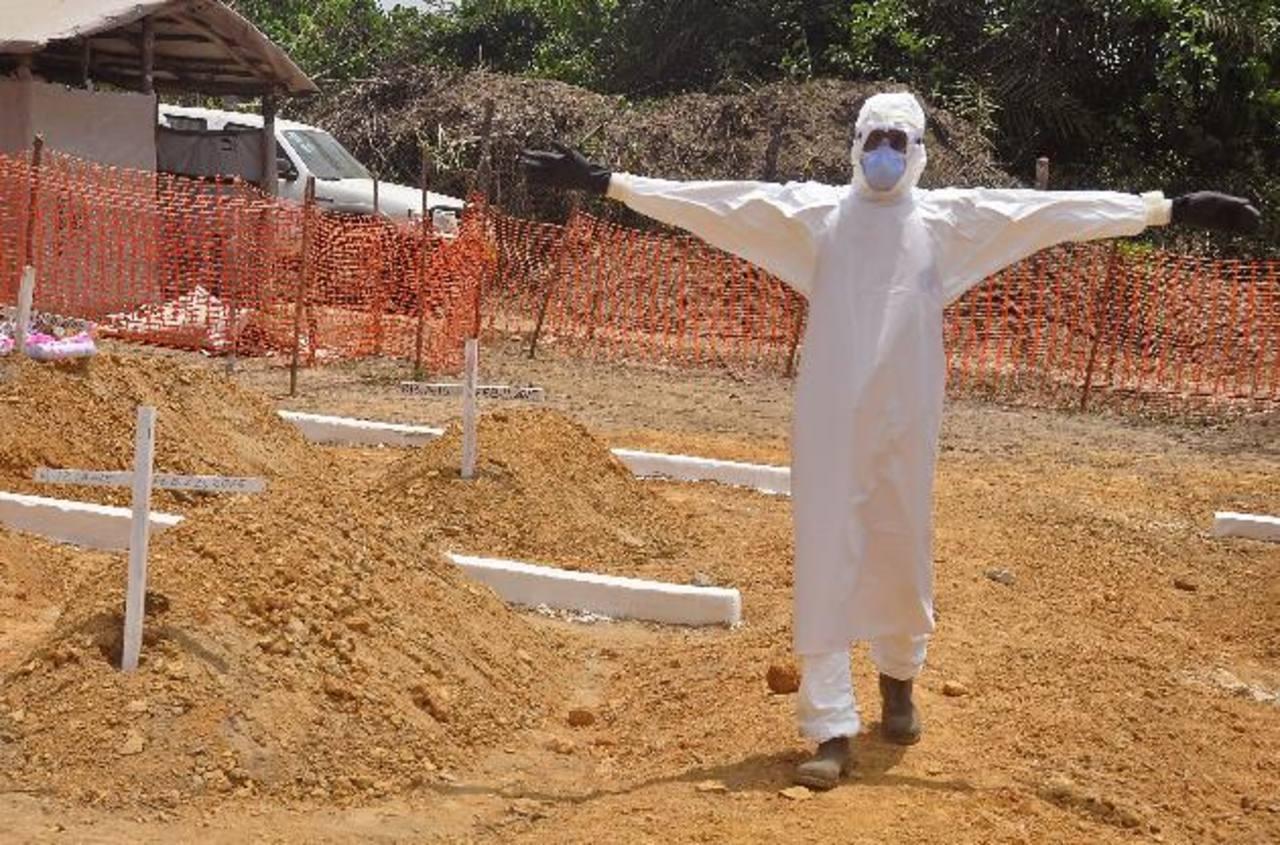 Para muchos una respuesta internacional débil permitió el descontrol de la epidemia. Foto EDH