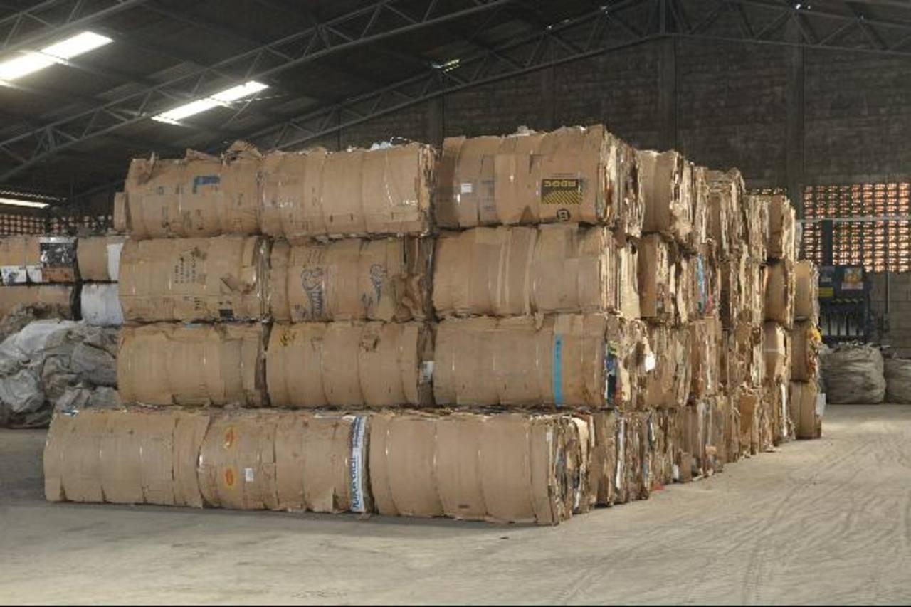 Productos de papel y cartón así como de plástico se encuentran entre los más comercializados con China. foto edh /