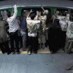 Video: Terrorífico ataque zombie en metro en Brasil