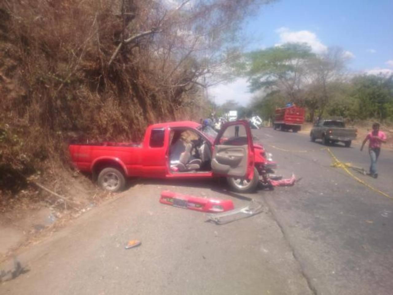 Menor y adulto mueren durante accidente vial en La Unión