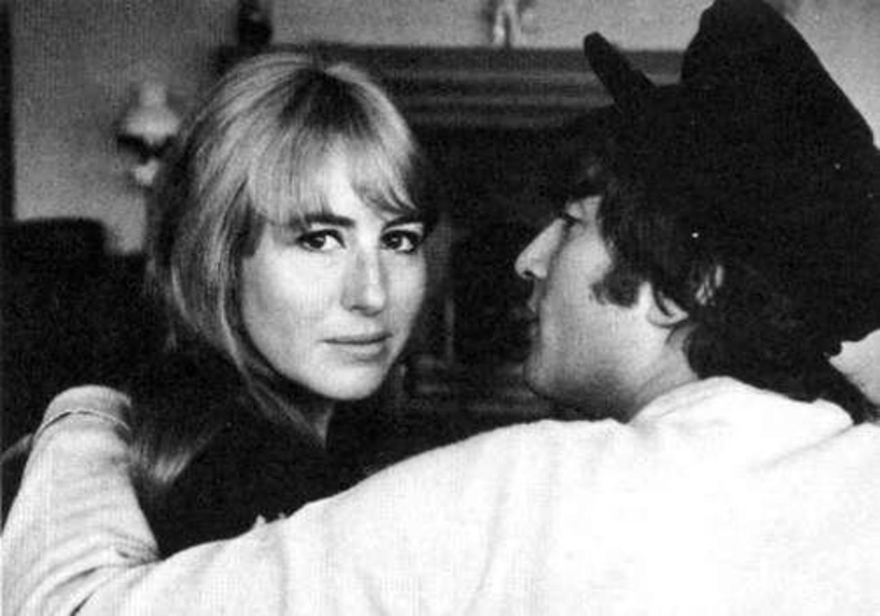 Muere Cynthia Lennon, la primera esposa de John Lennon