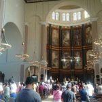 Fieles católicos participaron en la Misa de Resurrección en Catedral Metropolitana de San Salvador.