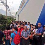 Ministerio de Hacienda abarrotado por último día para declarar la Renta