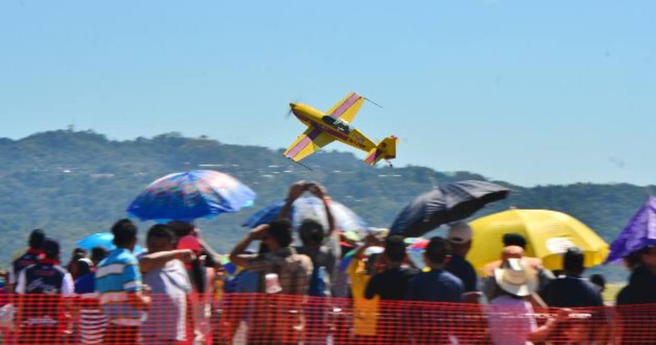 El Show Aéreo se desarrolló el 31 de enero y 1 de febrero en el aeropuerto Internacional de Ilopango. Fotos EDH / Huber Rosales
