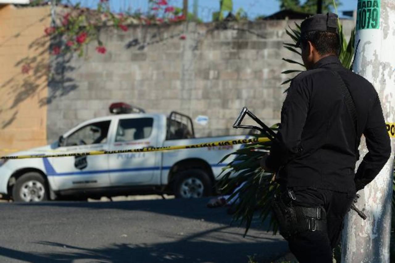 William Omar Ramos Medina, de 28 años, fue asesinado ayer en Lirios del Norte IV, cerca de la clínica comunal San Luis Mariona. foto EDH / Jaime Anaya