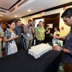A lo largo del evento, invitados de diversos países se presentaron para probar los diferente estilos del café nacional, tales como Pacamara y Bourbón. foto EDH /Mauricio Cáceres