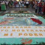 El concurso de alfombras toma como base la procesión del Santo Entierro el Viernes Santo Foto EDH / Roberto Zambrano