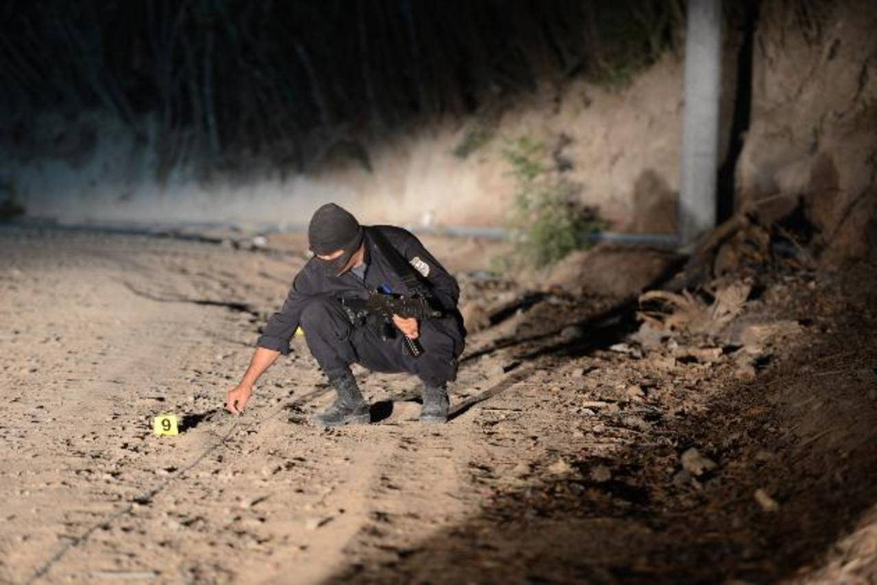 La víctima fue atacada a tiros cuando descansaba en una hamaca. Foto EDH / Lissette LÉMUS