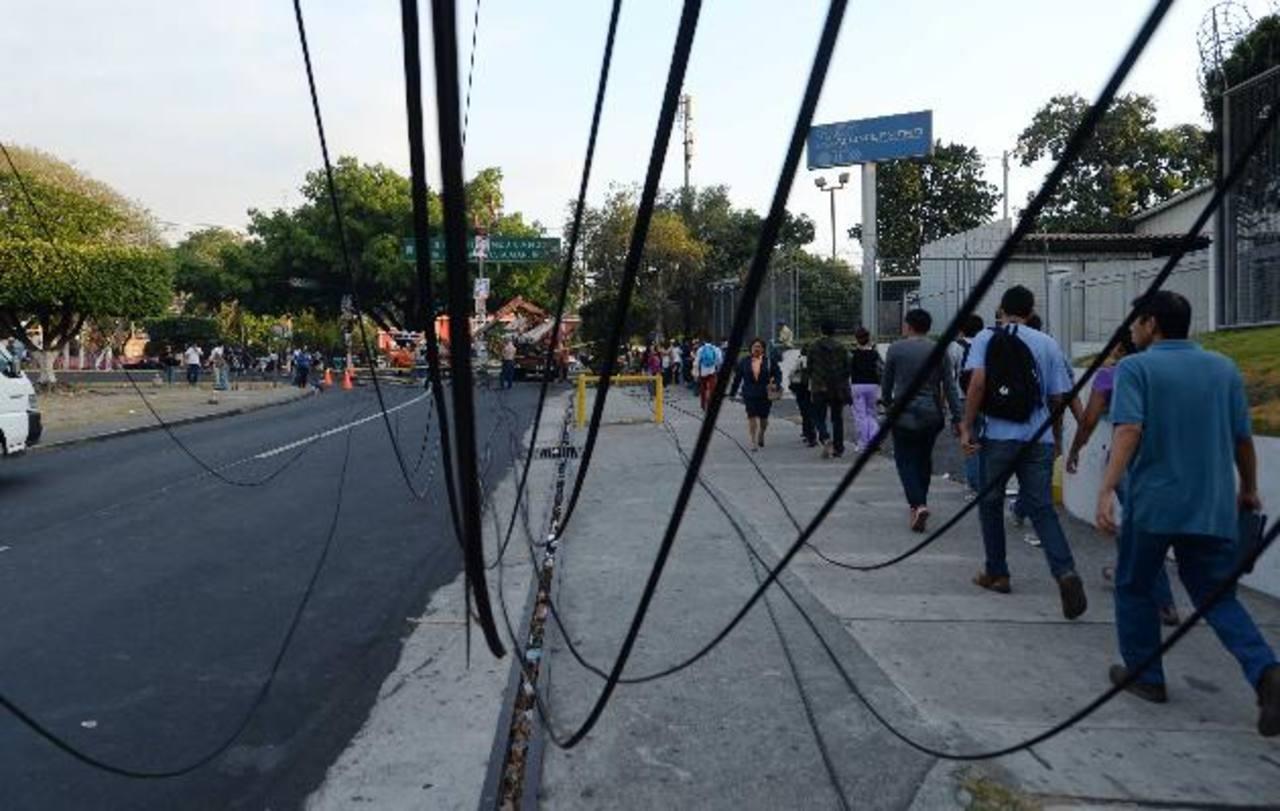 Desde la 1:00 de la mañana no hubo electricidad en la zona, hasta las 7:40 a.m., informó CAESS. fotos edh / marlon hernández
