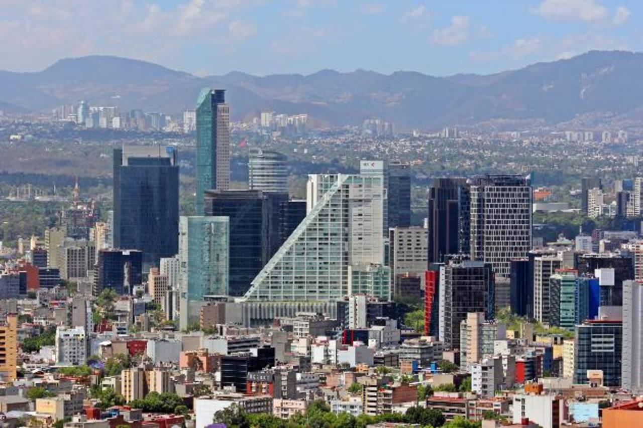 Los bancos de México esperan que un mayor crecimiento económico despunte en los próximos meses. Foto EDH