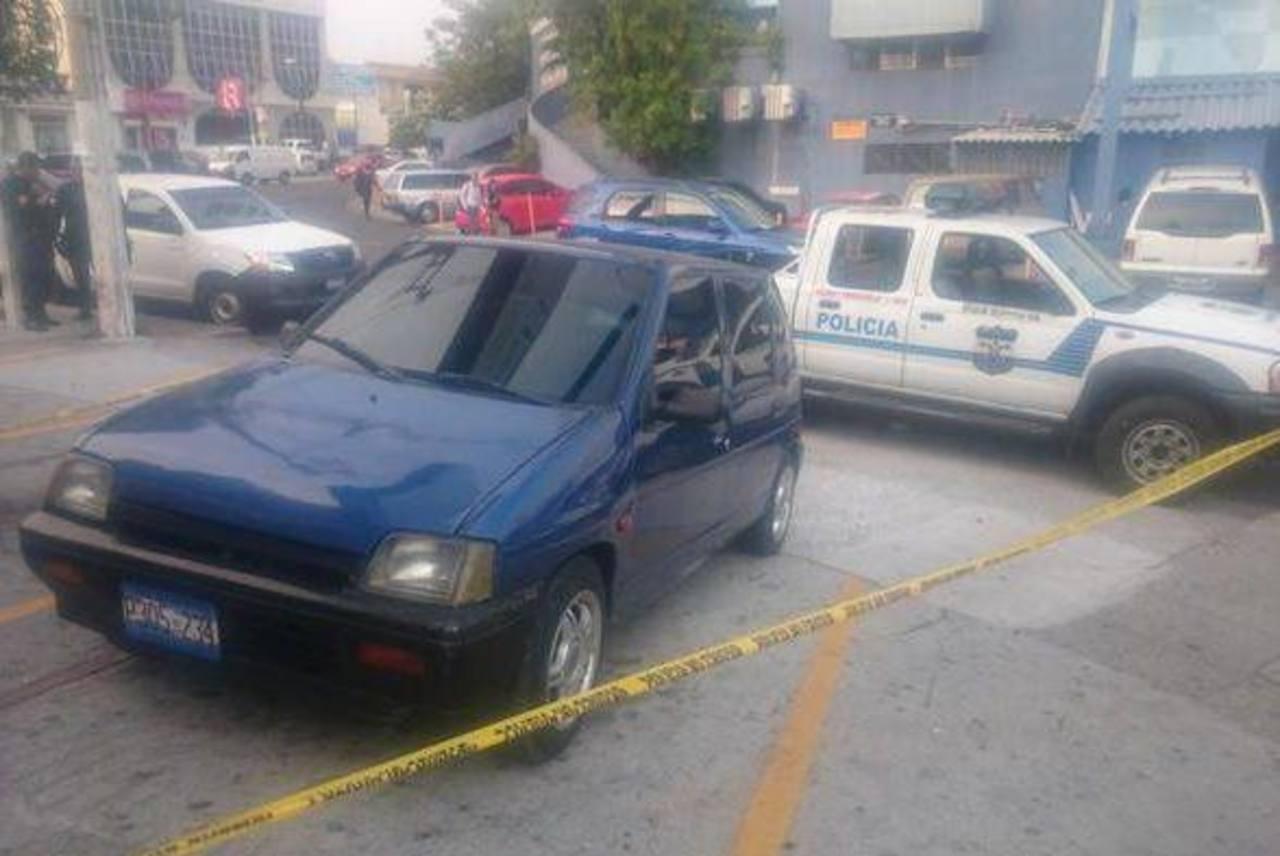El vehículo desde el cual habría sido perpetrado el ataque armado contra la División de Tránsito de la PNC fue localizado este lunes.