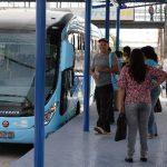 El ministro de Obras Públicas dijo que 290 mil personas ya tienen tarjeta para viajar en el Sitramss. Foto EDH / archivo