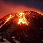 Evacuan a más de 3 mil personas tras erupción de volcán en Chile