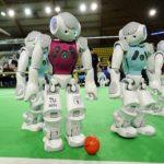 El torneo Robocup, busca que estas máquinas estén listas para un partido de fútbol verdadero en 2050.
