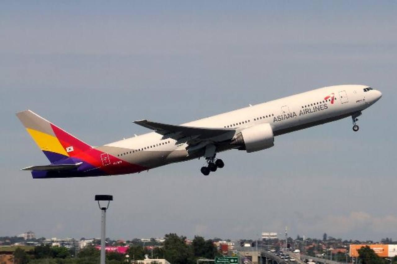 Veinte heridos al salirse de la pista un avión surcoreano en Hiroshima