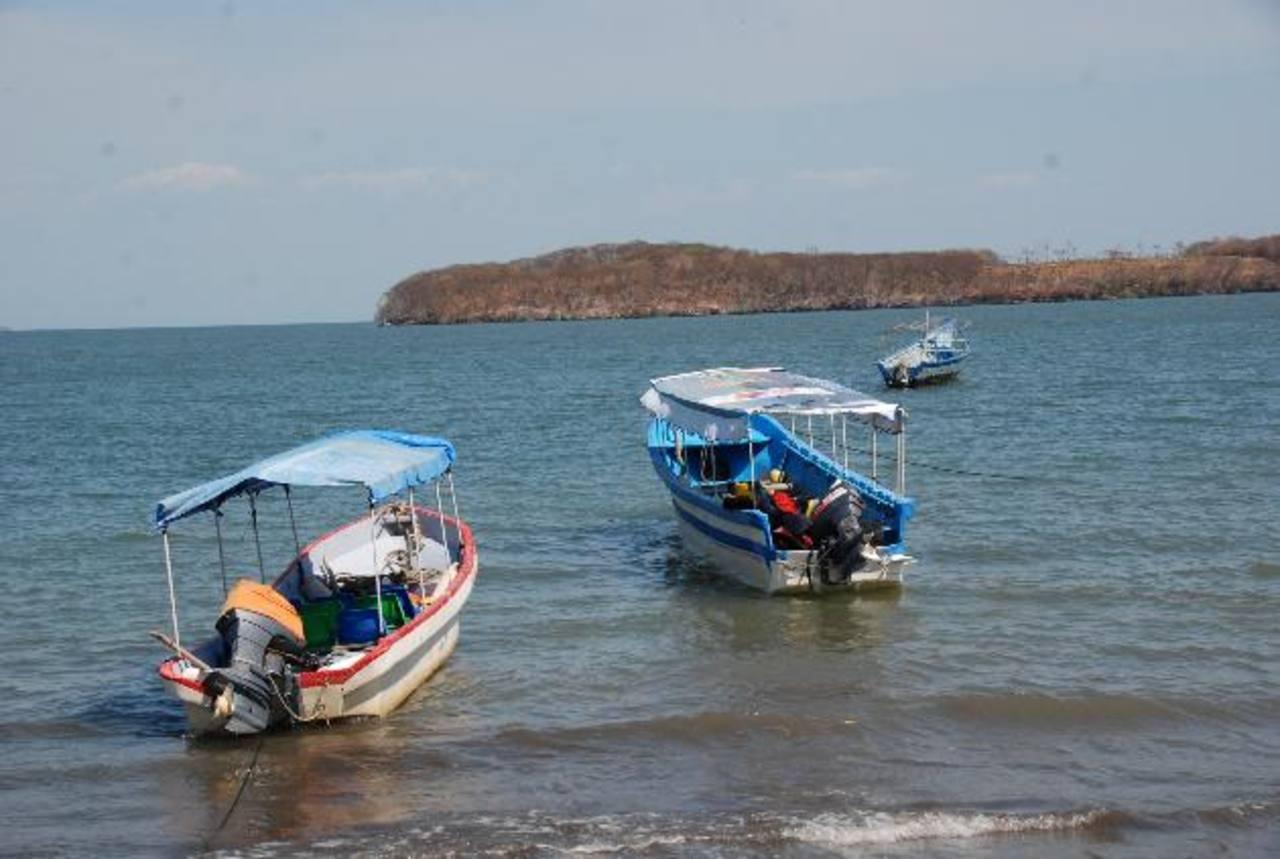 Los isleños se quejan de no tienen señal de telefonía salvadoreña y deben gastar más de la cuenta para comunicarse. Foto EDH / Insy Mendoza