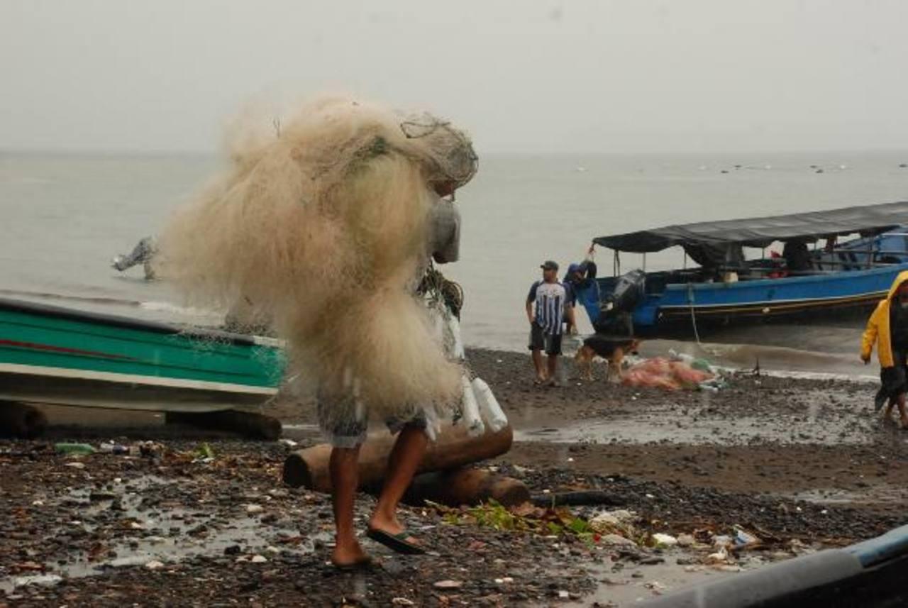 Los pescadores fueron liberados, pero sus equipos siguen decomisados. foto edh / Insy Mendoza