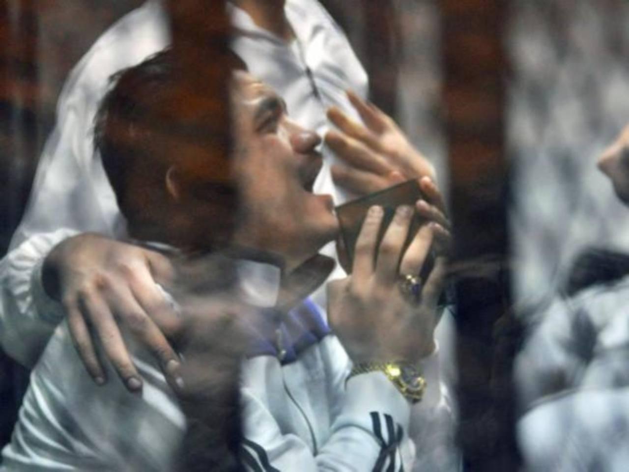 Condenan a 71 personas a cadena perpetua por incendiar una iglesia en Egipto