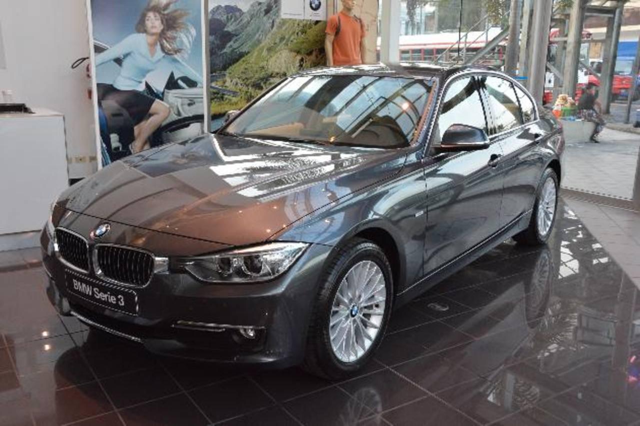 El BMW S3 es un vehículo confortable, eficiente y de bajo consumo de combustible. Foto EDH /David Rezzio
