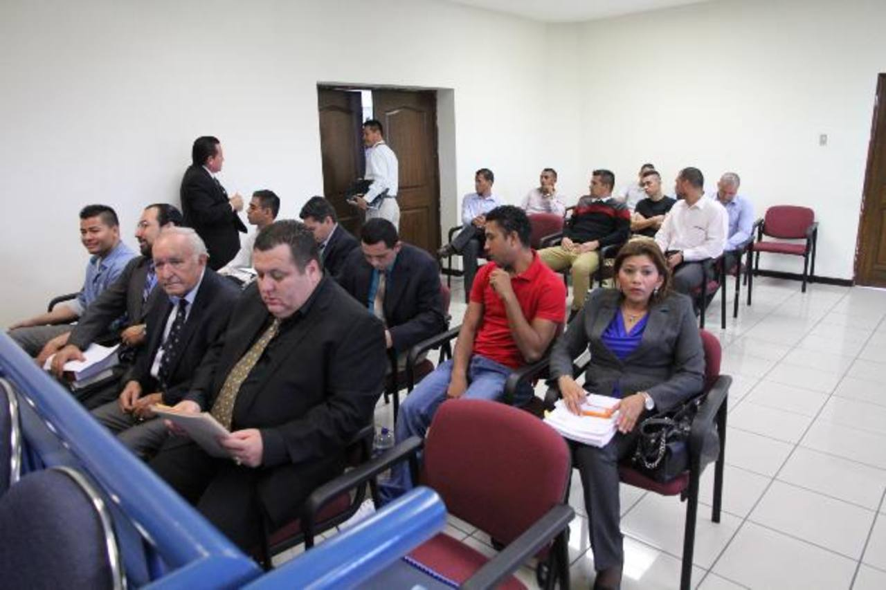 Los exseleccionados de fútbol y sus abogados se mostraron optimistas en esta etapa del proceso judicial. Foto EDH /Archivo