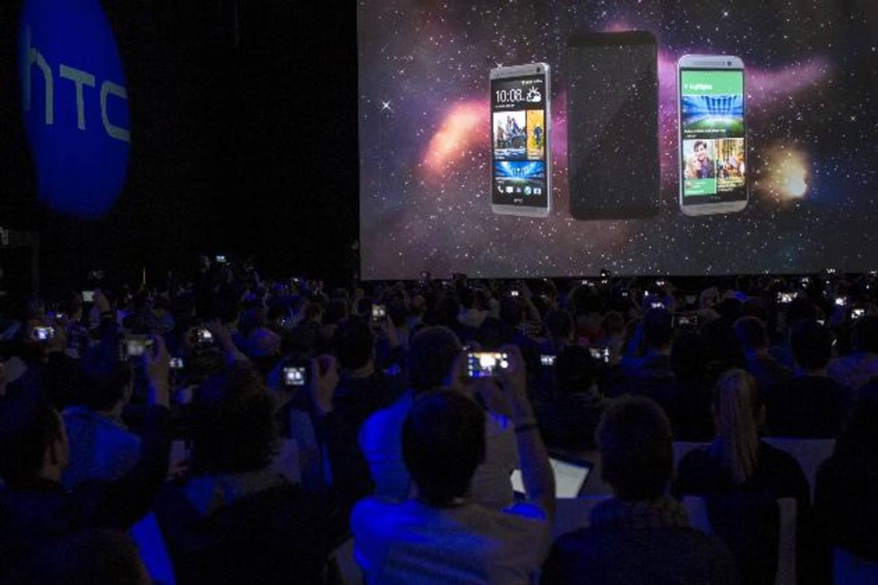 La presentación del HTC One M9 fue todo un espectáculo para los visitantes del Congreso Mundial de Móviles, en Barcelona.
