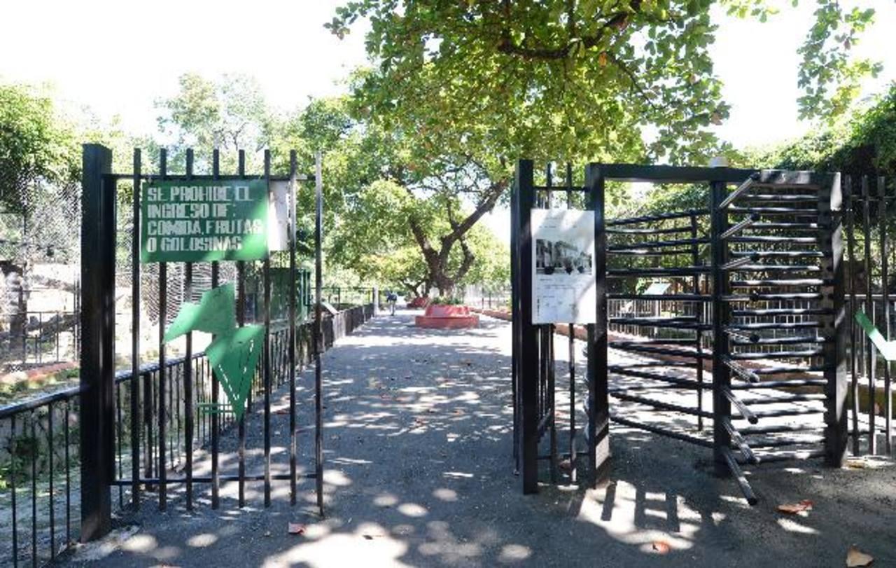 Las condiciones en las que se encuentra el zoológico son pésimas y no se vislumbra que mejorarán. Foto EDH / Archivo