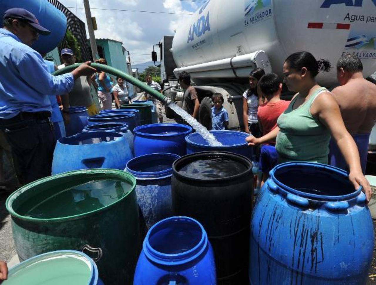 El corte de agua será por 24 horas, y en Ilopango, 48. Foto EDH / archivo