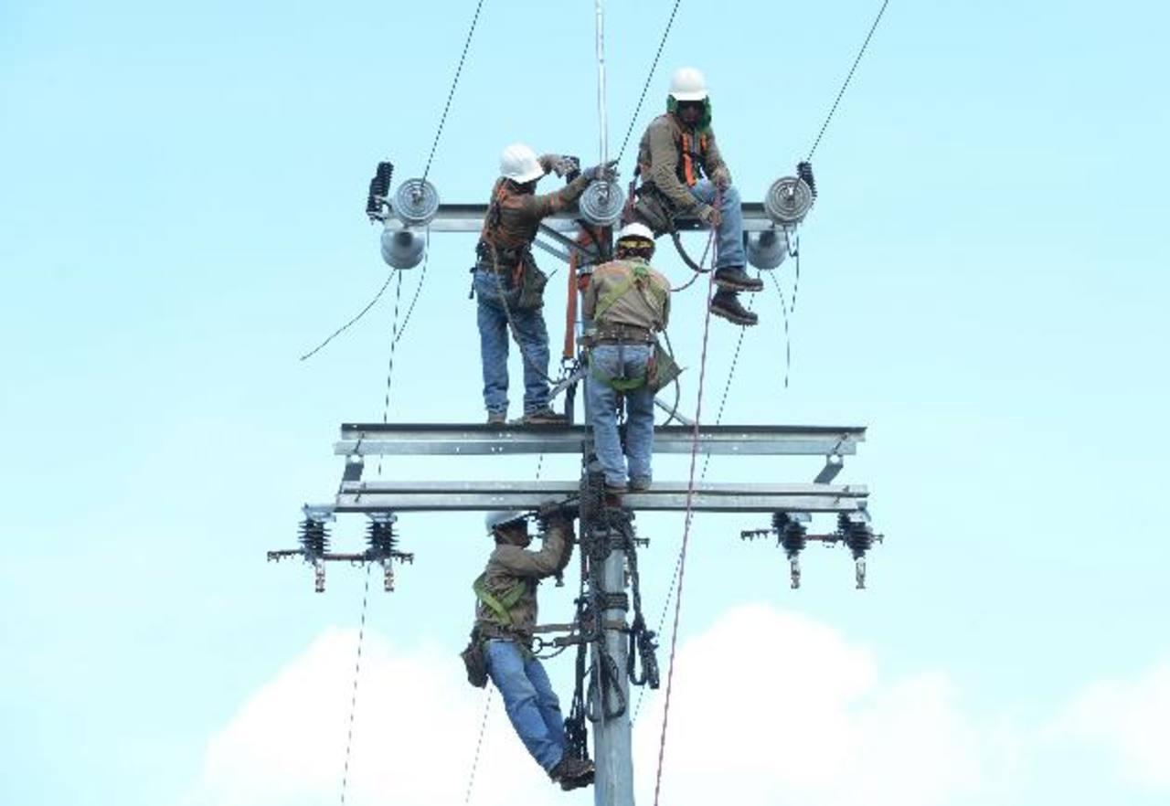 La eficiencia energética es una de las áreas que se debe impulsar en el país. Foto EDH/ Archivo