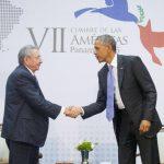 Obama hizo el anuncio ayer tras el histórico encuentro con Castro en la Cumbre de las Américas en Panamá. Foto edh/archivo