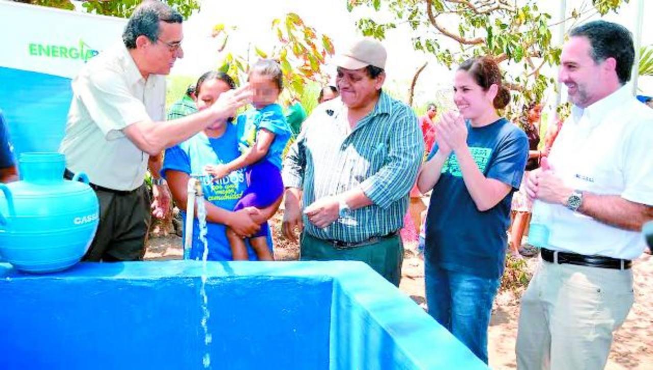 Con el proyecto de introducción de agua potable y la construcción de letrinas aboneras se beneficiará a cerca de 800 personas. foto edh / iris lima