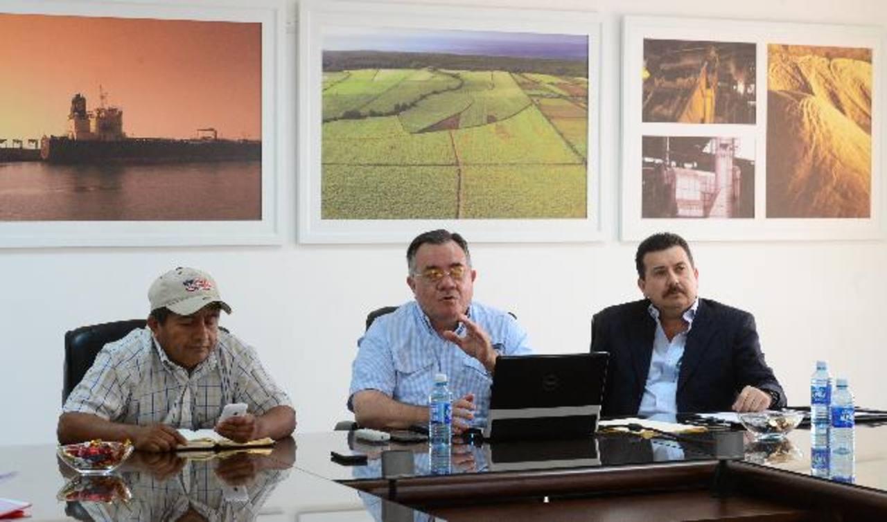 Representantes de Fecasal, Camagro y Adisa temen alcances de anteproyecto de nueva ley de agua. foto edh /auricio Cáceres