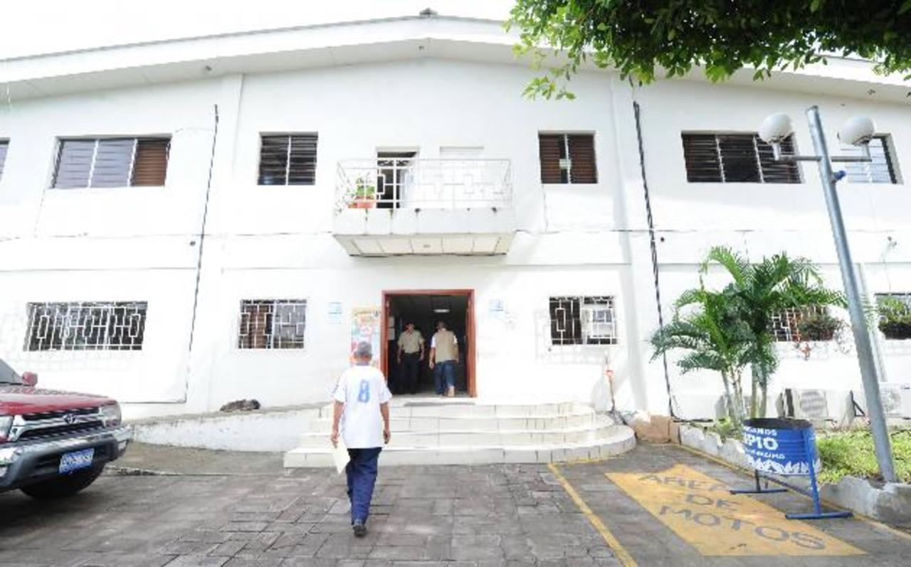 La alcaldesa y concejales de Mejicanos son extorsionados con 400 dólares cada uno.