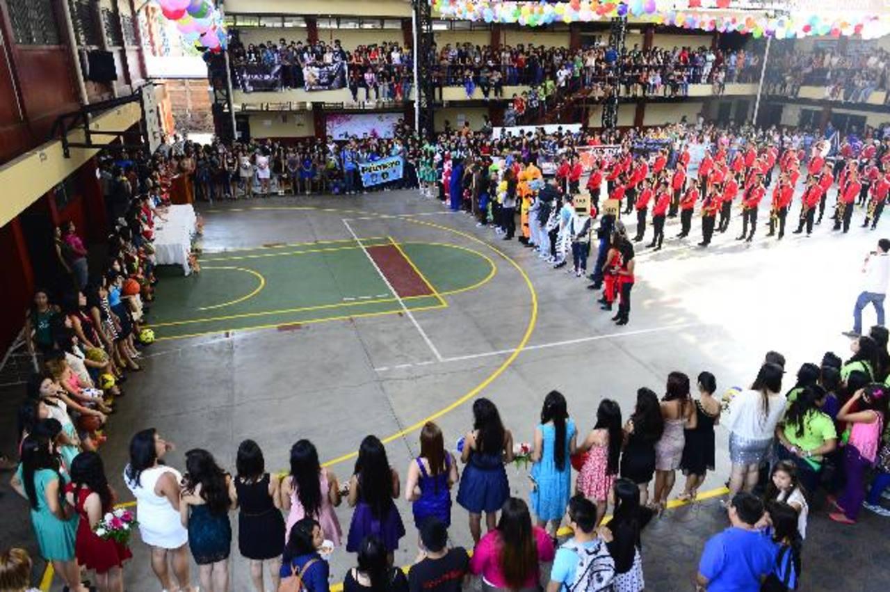 Fiesta juvenil en el Instituto Manuel J. Arce