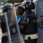 Detenidos en Venezuela 8 policías por asesinato de 2 jóvenes