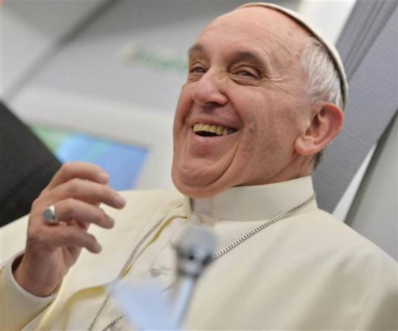 Video: Papa bromea sobre el ego de los argentinos