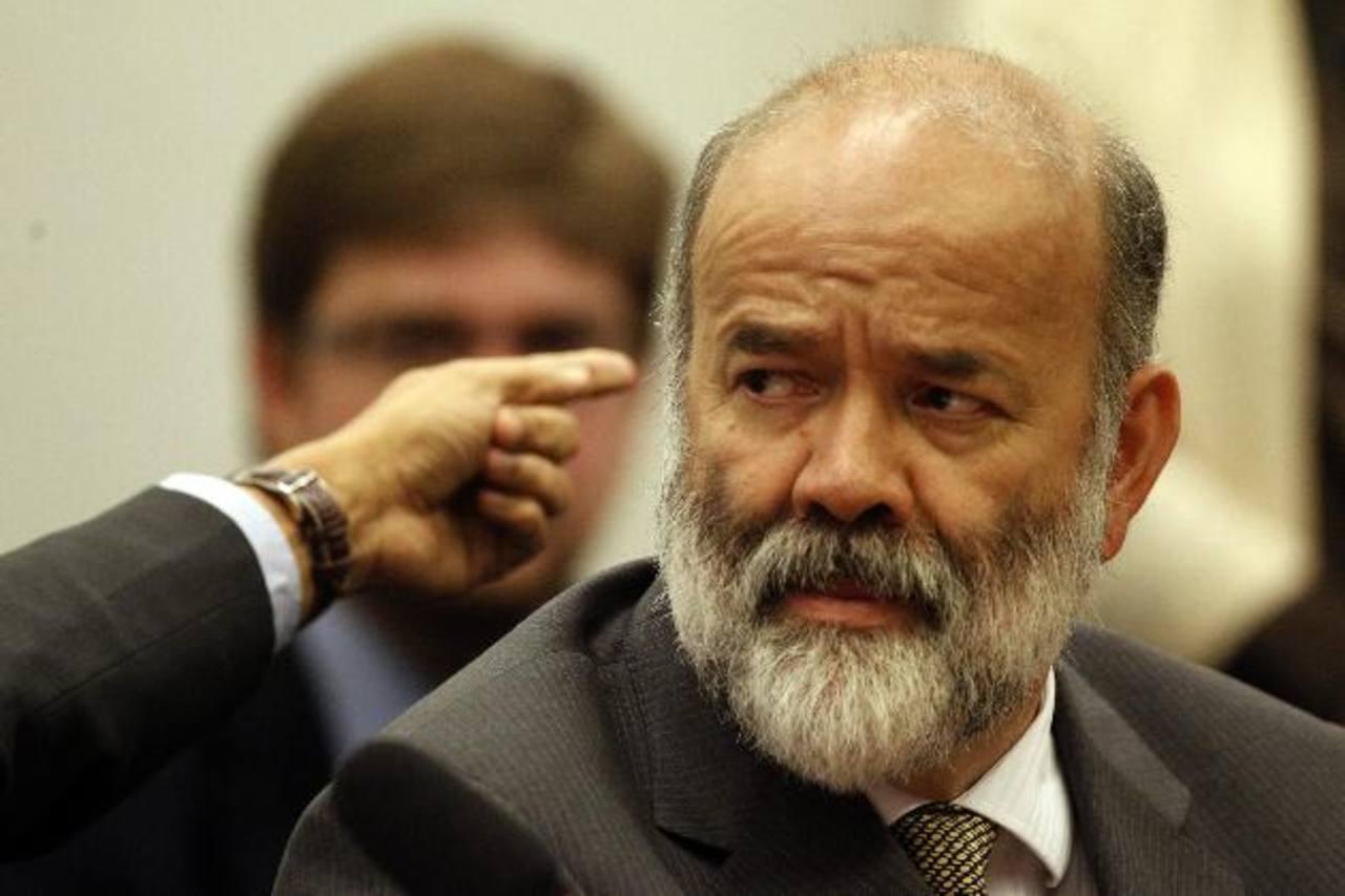 El tesorero del Partido de los Trabajadores (PT) de Brasil, Joao Vaccari, declara ante una comisión del Congreso. foto edh / efe