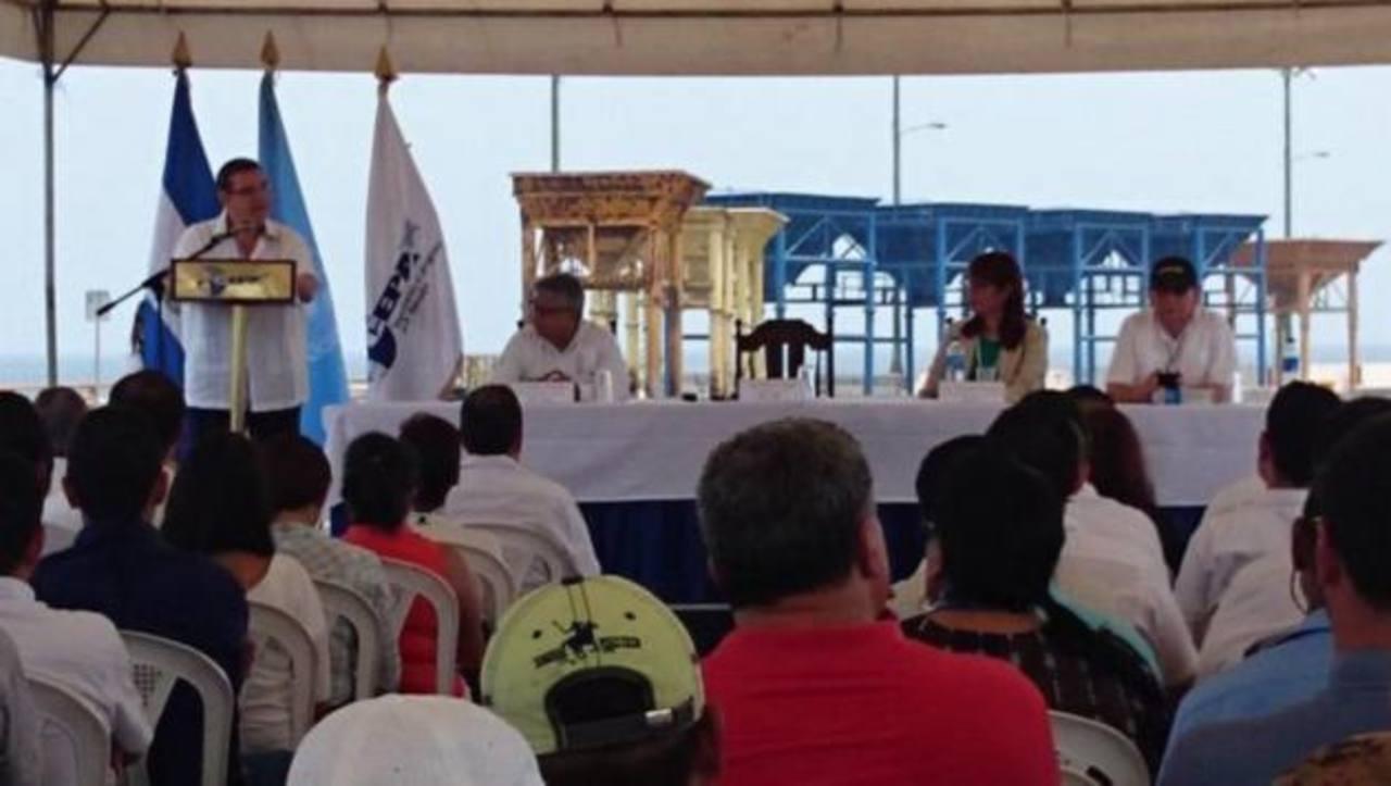 CEPA anunció la construcción del malecón Acaxual en el puerto de Acajutla.