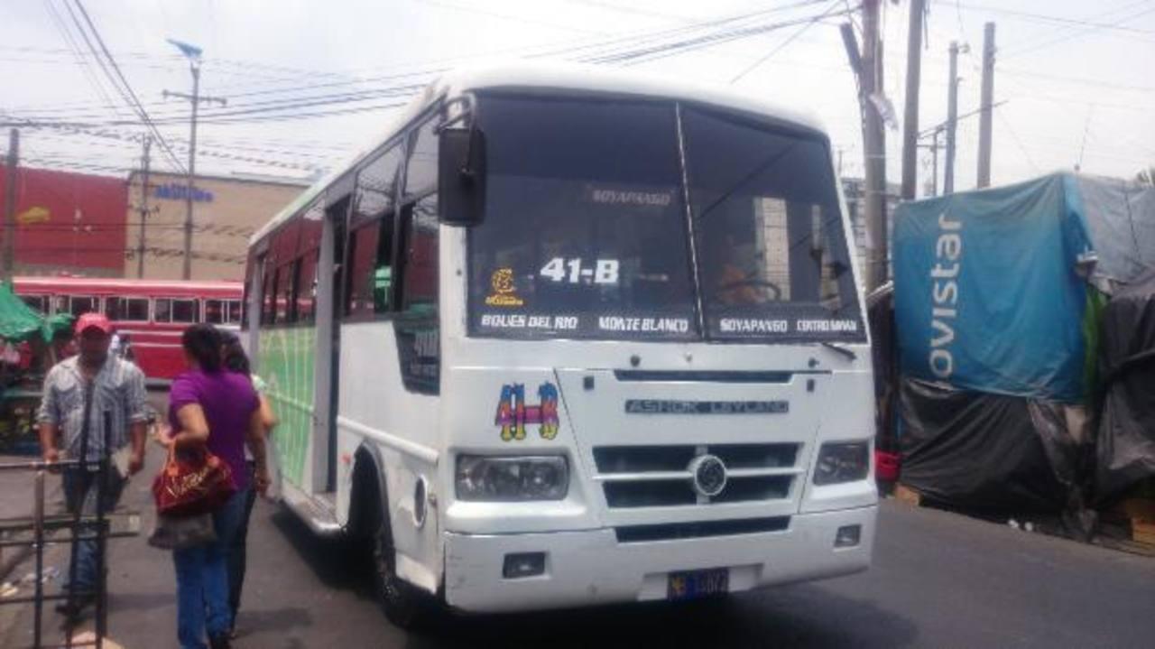 La Ruta 41 B microbús tiene permiso del VMT para ir desde la colonia Brisas del Norte hasta el centro capitalino.