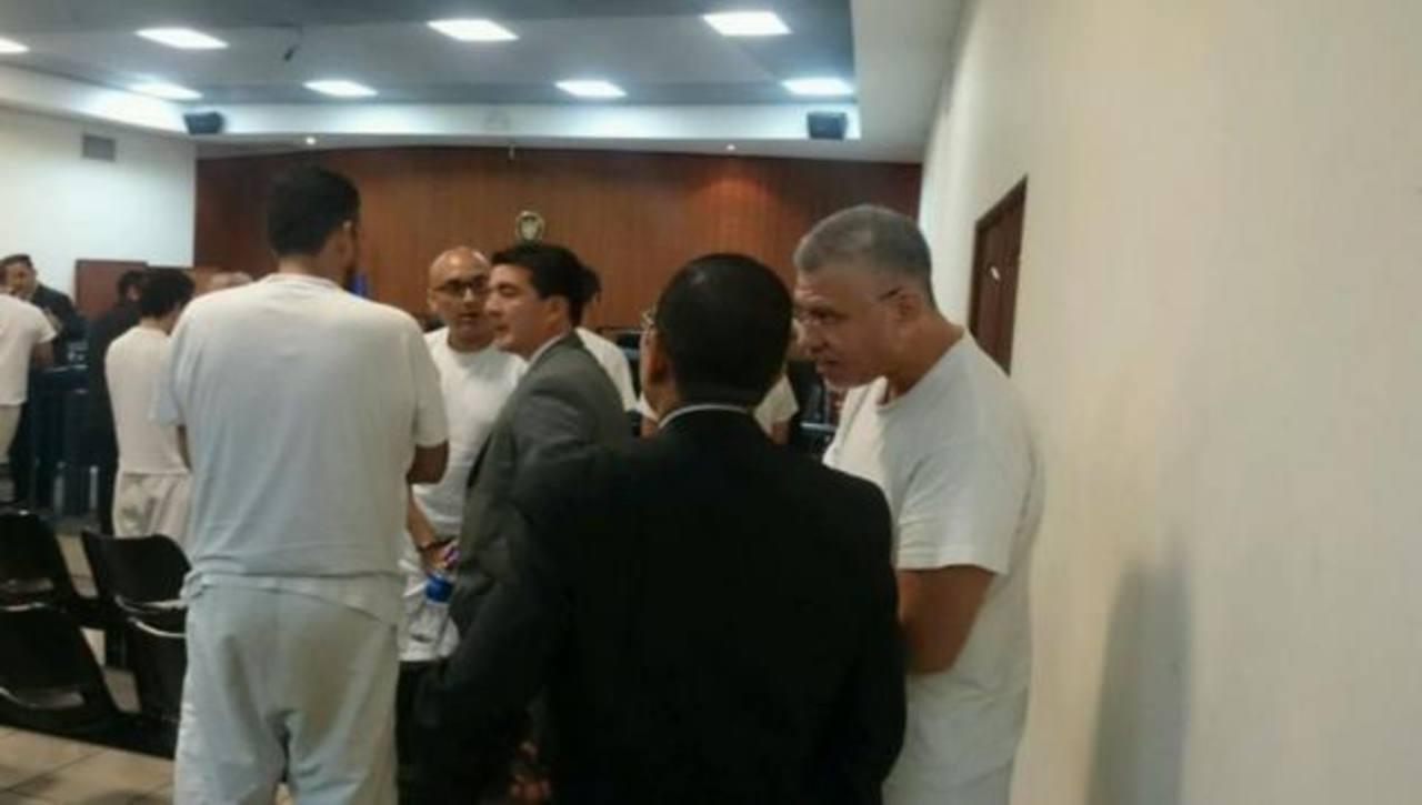 """Roberto Herrera Hernández, alias """"El Burro"""", y otros 24 acusados de tráfico de droga fueron enviados a juicio."""
