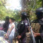 La PNC presentó ante los medios de comunicación a una mexicana, a quien acusan de presunto tráfico ilícito de droga.