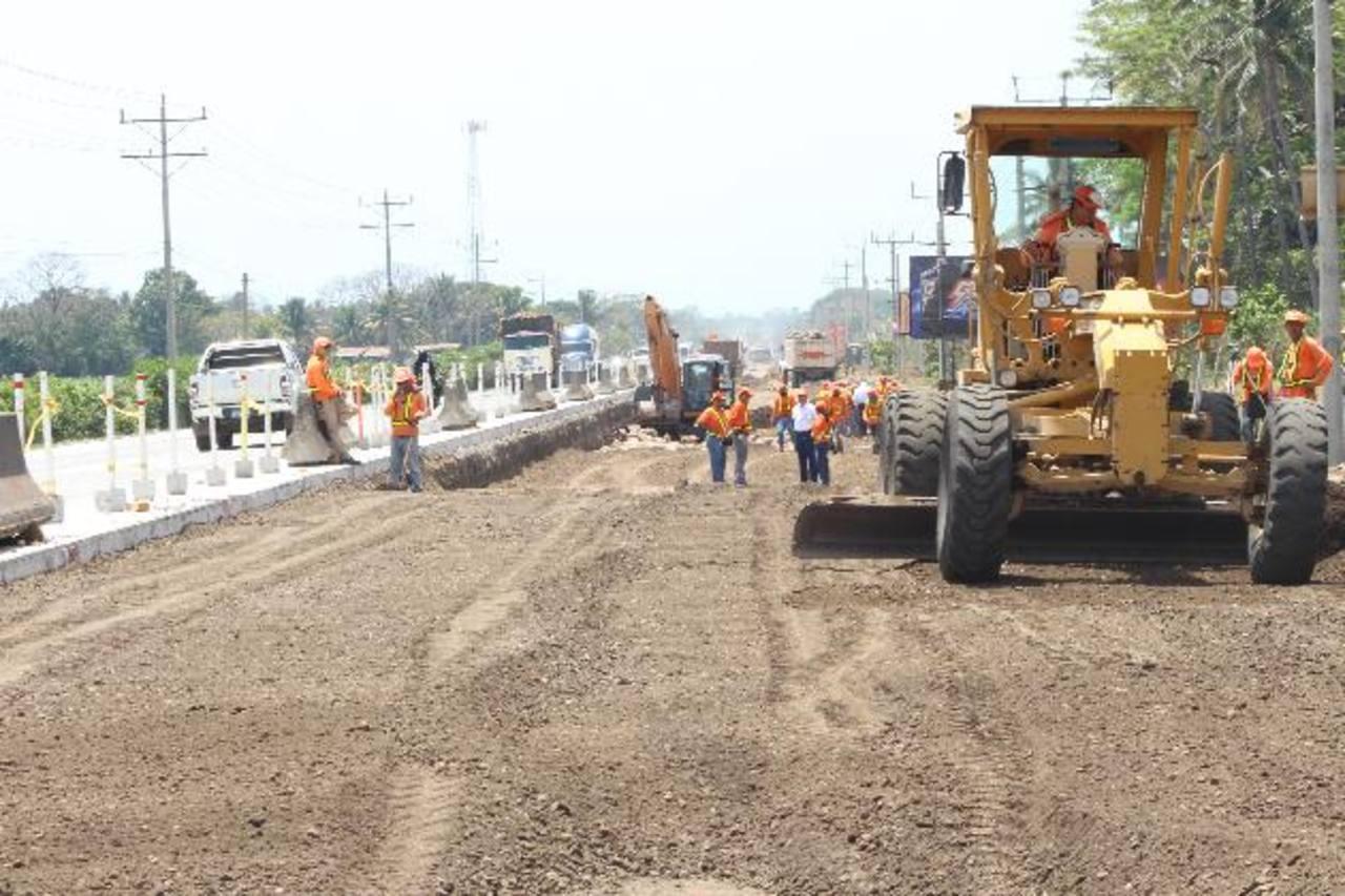 El proyecto avanza de acuerdo a lo previsto, según la última supervisión de los trabajos. Foto EDH / Cortesía Fovial