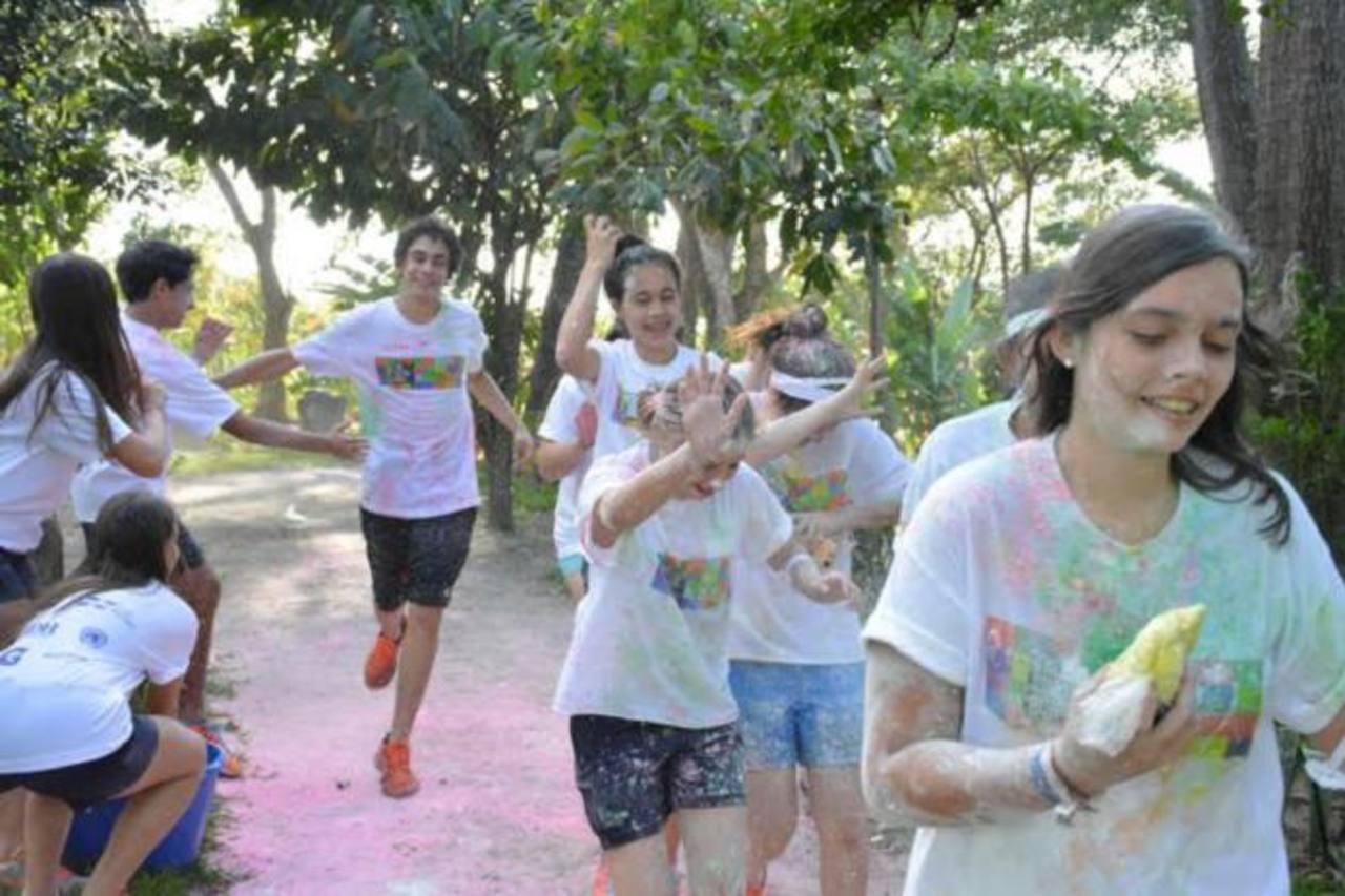 "Voluntarios participan en ""The Color Run"""