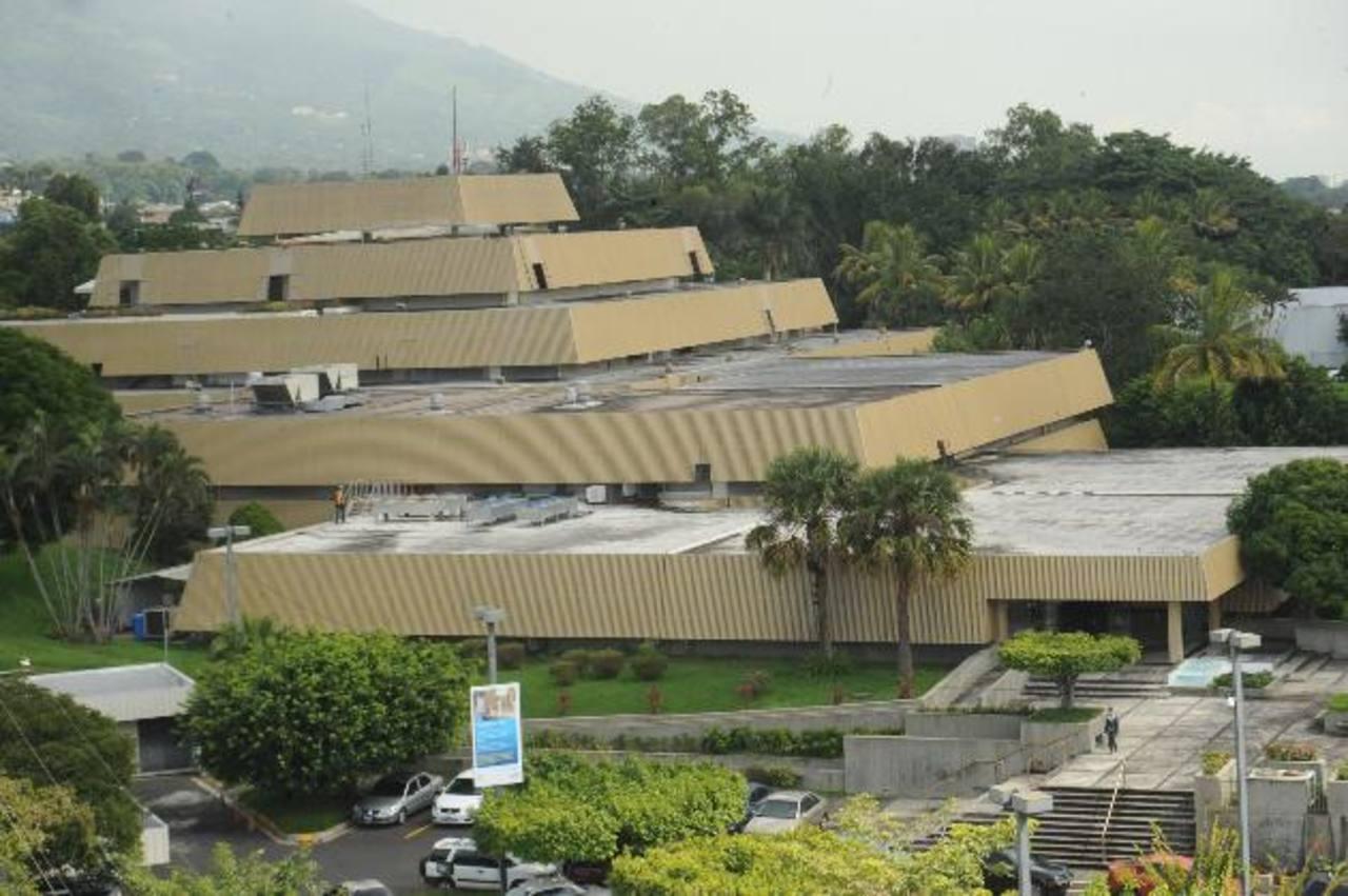 Se estima que los activos de Citibank en venta en la región valen $1,500 Mlls. Foto EDH / Archivo