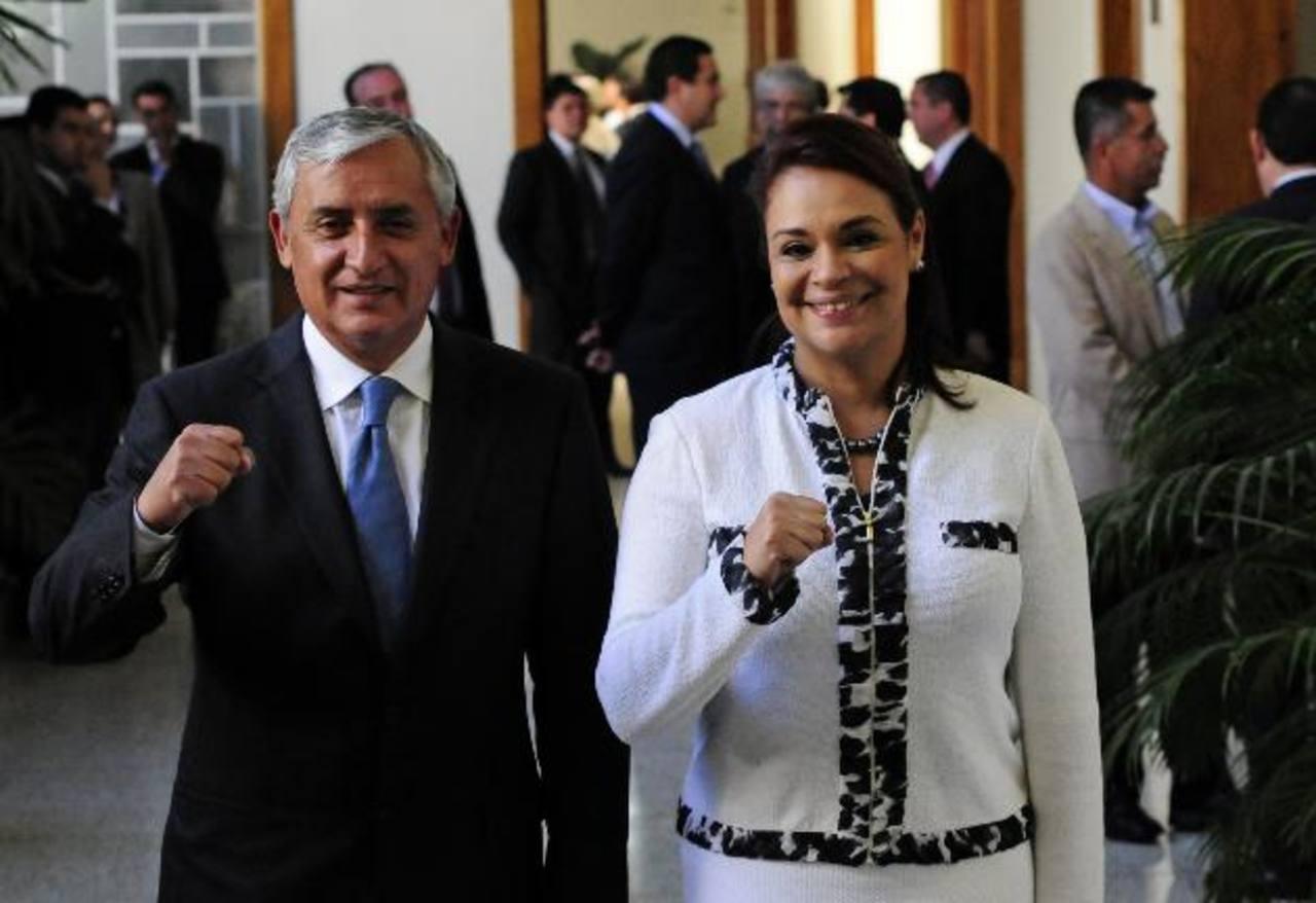 El presidente de Guatemala, Otto Pérez Molina, junto a la vicepresidenta, Roxana Baldetti. foto edh / archivo